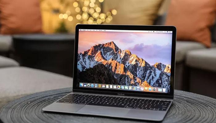 Màu sắc bắt mắt của Macbook 12 inch giúp không chỉ tạo sự tinh tế mà còn mang đến sự năng động cho các bạn trẻ