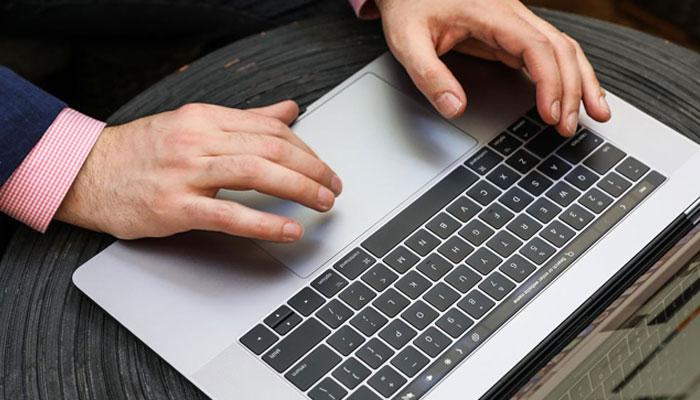 Macbook Pro 15 inch Touchbar lựa chọn hoàn hảo nếu bạn phải thực hiện những tác vụ nặng như chỉnh sửa video, hình ảnh