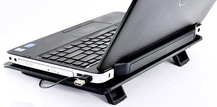 Đế tản nhiệt giúp laptop giảm nóng nhanh chóng
