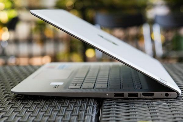 Máy tính xách tay HP Envy D020TU chạy trên nền tảng Windows 10 bản quyền mang tính ổn định cao có thể phục vụ bạn lâu dài