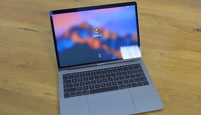 MacBook Pro Retina 2016 là chiếc máy tính xách tay nổi trội, thu hút nhiều sự quan tâm của giới công nghệ trong năm vừa qua