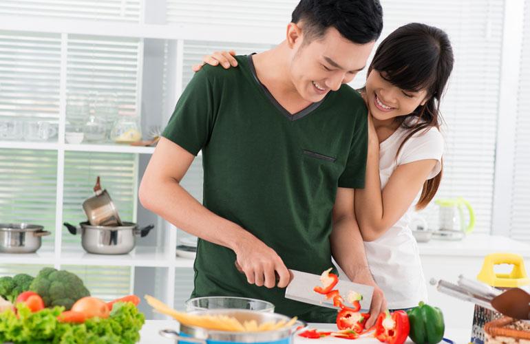 Bữa ăn được thực hiện bởi chồng sẽ khiến cô vợ cảm thấy vô cùng hạnh phúc
