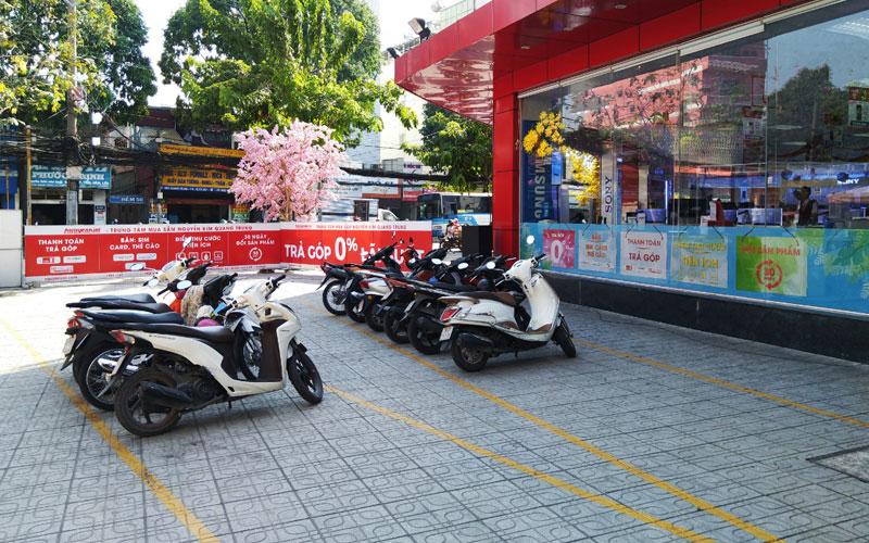 Chiếc xe yêu dấu của bạn sẽ được trông coi cẩn thận, vì thế hãy an tâm mua sắm tại Nguyễn Kim Quang Trung nhé!