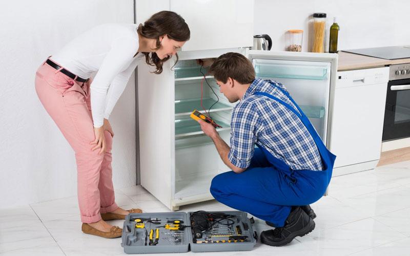 Tuy việc thay gas tủ lạnh là không định kì nhưng bạn cũng cần lưu ý kiểm tra thường xuyên để phát hiện những báo động của tủ lạnh