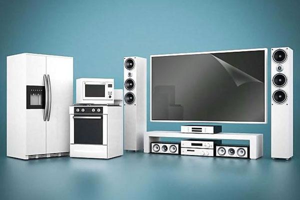 Các thiết bị điện tử thường được bao bọc bởi lớp màng nhựa khi mới mua về
