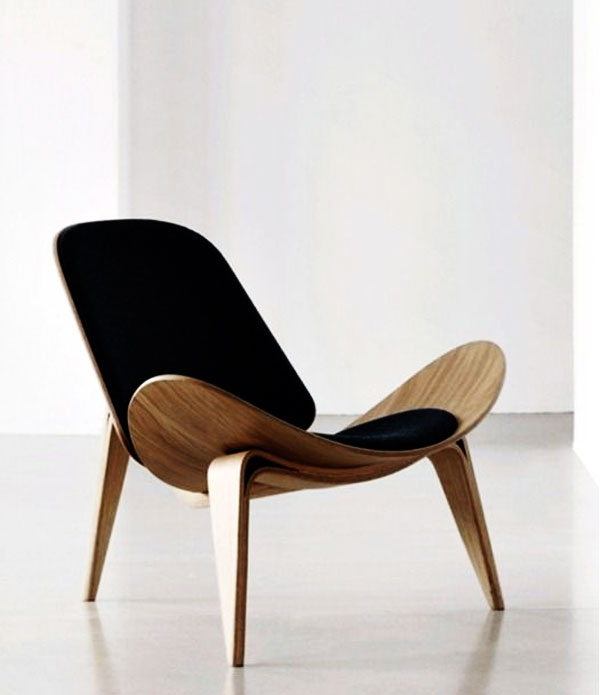 Ví dụ ở chiếc ghế này, mọi đường nét đều đơn giản nhưng vô cùng tinh tế. Sự thoải mái khi được ngả lưng trên nó là không thể phủ nhận.