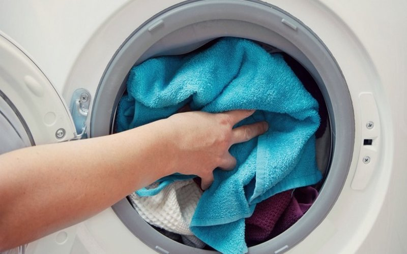 Sử dụng bột tẩy đúng cách sẽ giúp cho máy giặt của bạn luôn như mới