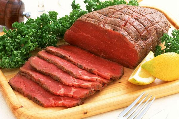 Sức khỏe của bạn có thể bị ảnh hưởng khi cho thịt gần chín vào lò vi sóng