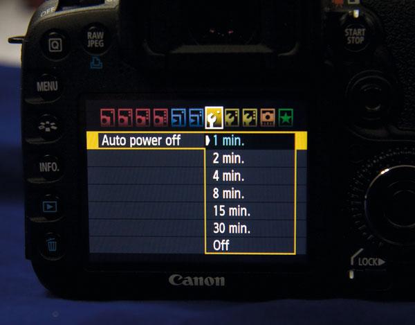 Khi máy ảnh ở chế độ sẵn sàng liên tục sẽ là nguyên nhân hao tổn pin