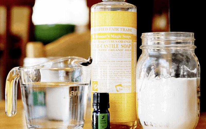 Các nguyên liệu để chế biến nước lau chùi vết dầu mỡ dễ tìm