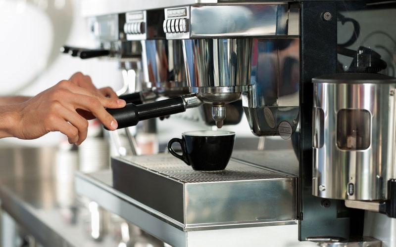 Đối với gia đình đông người hay văn phòng thì nên chọn máy pha cà phê công suất lớn