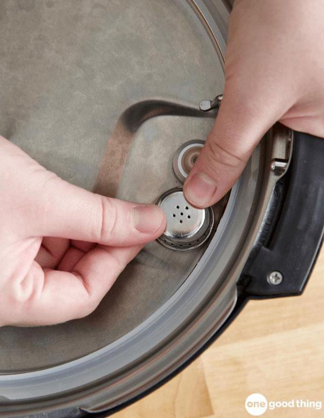 Khi lắp ráp, bạn cần chú ý không bỏ sót phụ kiện nào