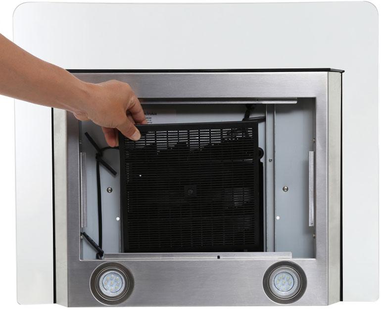 Bên trong lưới lọc của máy hút mùi là than hoạt tính