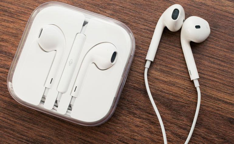 Earbud là kiểu dáng tai nghe được nhiều người biết đến nhất