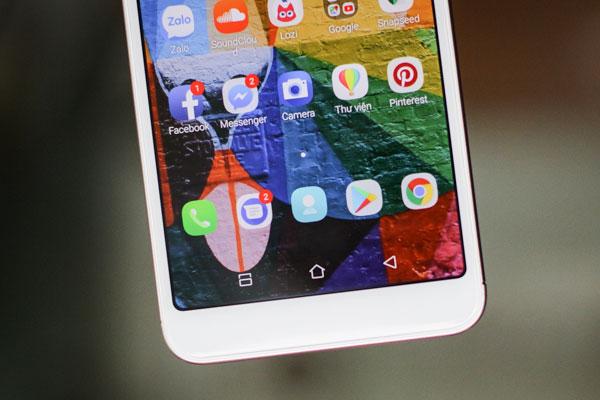 3 phím điều hướng được tích hợp bên trong màn hình cảm ứng.