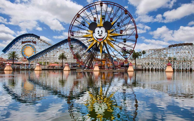 Khám phá công viên Disneyland ngay tại nhà bằng chế độ Street View của Google Maps