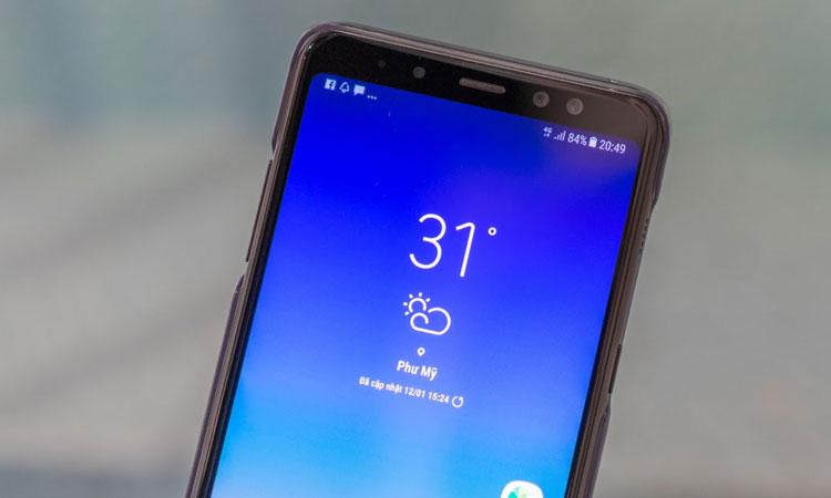 Lần đầu tiên Samsung bị cho điện thoại của mình camera kép ở mặt trước