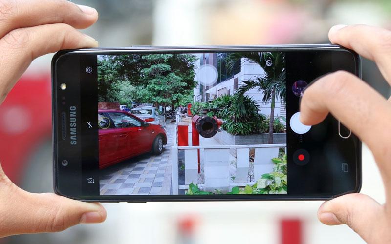 Samsung chuẩn bị ra mắt Galaxy J8 (2018)