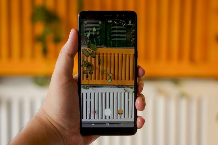 Lần đầu tiên Samsung trang bị camera selfie kép cho điện thoại của mình
