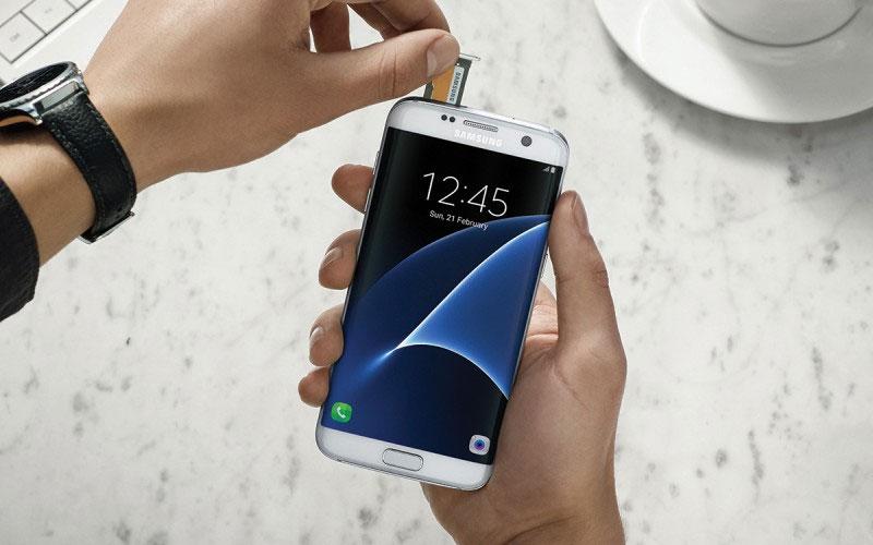 Hầu như chiếc điện thoại Android nào cũng được trang bị khe cắm thẻ nhớ