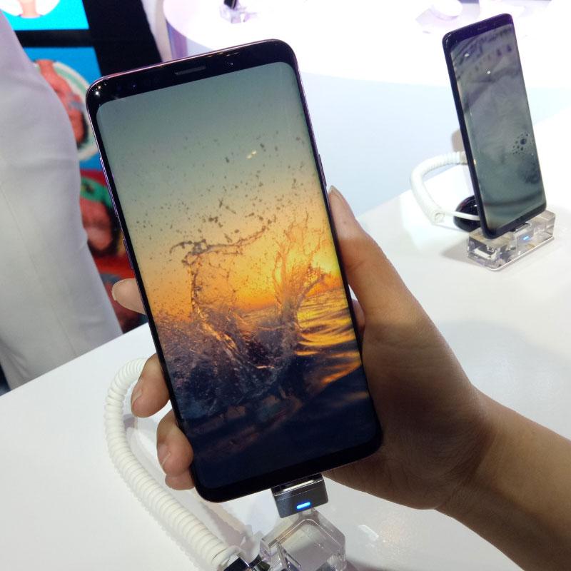 Màn hình Galaxy S9 là 5.8 inch và Galaxy S9+ là 6.2 icnh