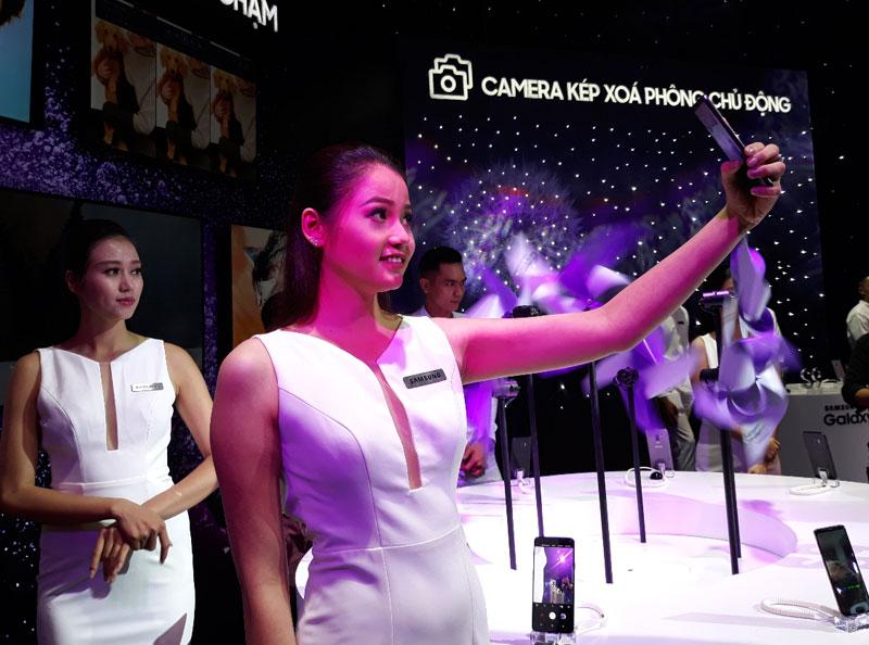Dù là các chàng trai hay cô gái đều thích mê Galaxy S9/S9+