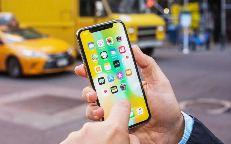"""""""Tai thỏ"""" đã """"xâm chiếm"""" vào sâu thị trường công nghệ, biến thành xu hướng mới trên những dòng điện thoại sau này"""