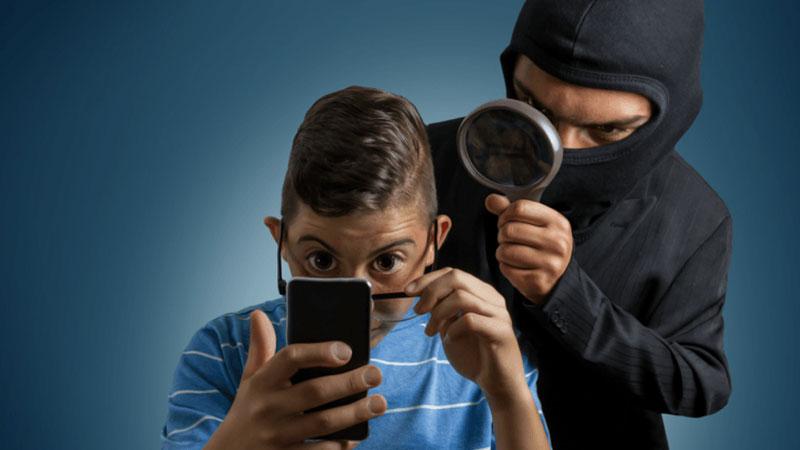 Cảnh giác điện thoại bị nghe lén