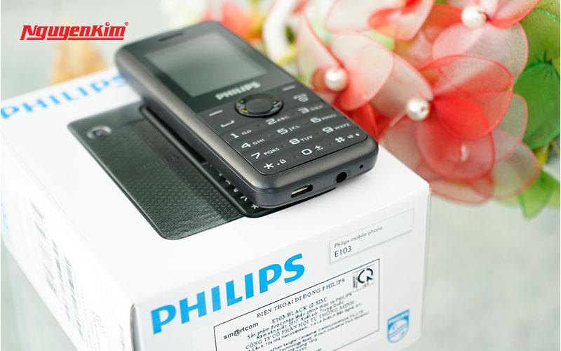 """Dù là """"cục gạch"""" nhưng Philips E103 vẫn được trang bị những tính năng cơ bản cần thiết cho người sử dụng"""