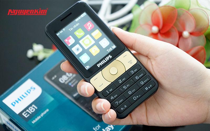 Philips E181 còn có thể biến thành pin sạc dự phòng cho những chiếc điện thoại khác