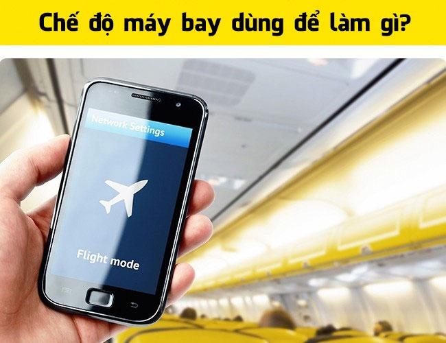 Bạn cần chuyển điện thoại về chế độ máy bay trước khi máy bay cất và hạ cánh