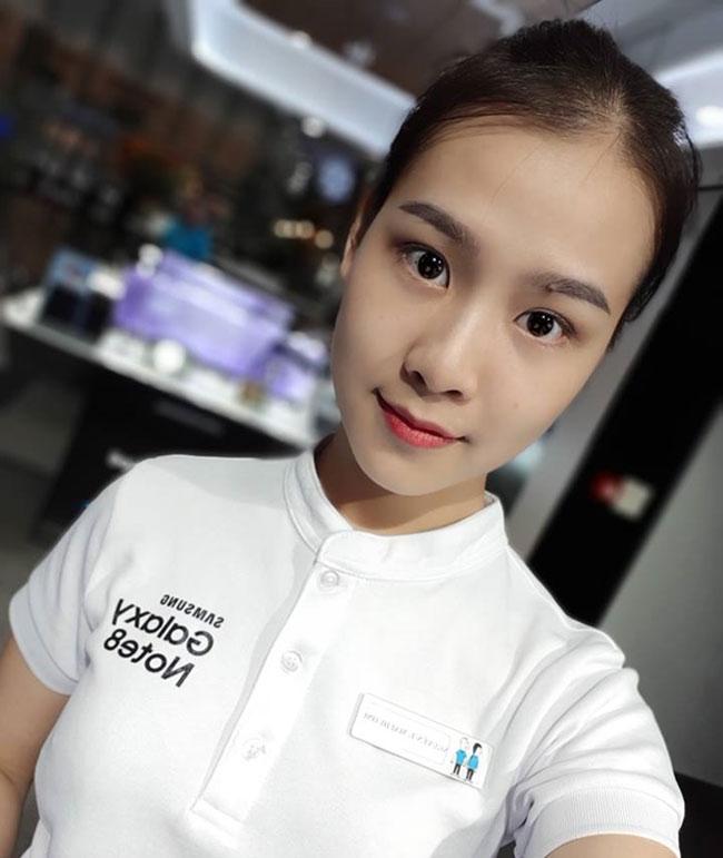 Camera selfie kép lần đầu tiên được tích hợp trên điện thoại Samsung