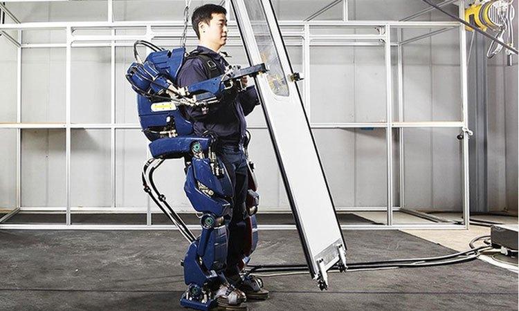 Chiếc áo giáp robot giúp bạn trở thành chiến binh