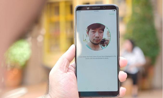 Oppo F5 Youth vàng bảo mật bằng khuôn mặt