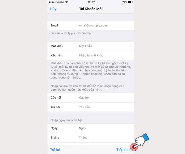 Trên màn hình iPhone, bạn điền đầy đủ thông tin được yêu cầu