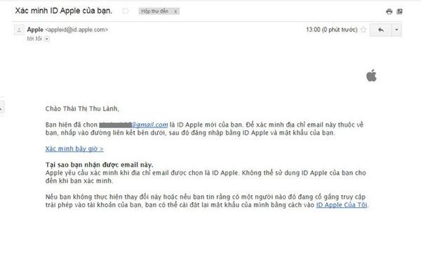 Trên iPhone, bạn chọn vào Xác minh bây giờ để xác mình Apple ID của mình trong email