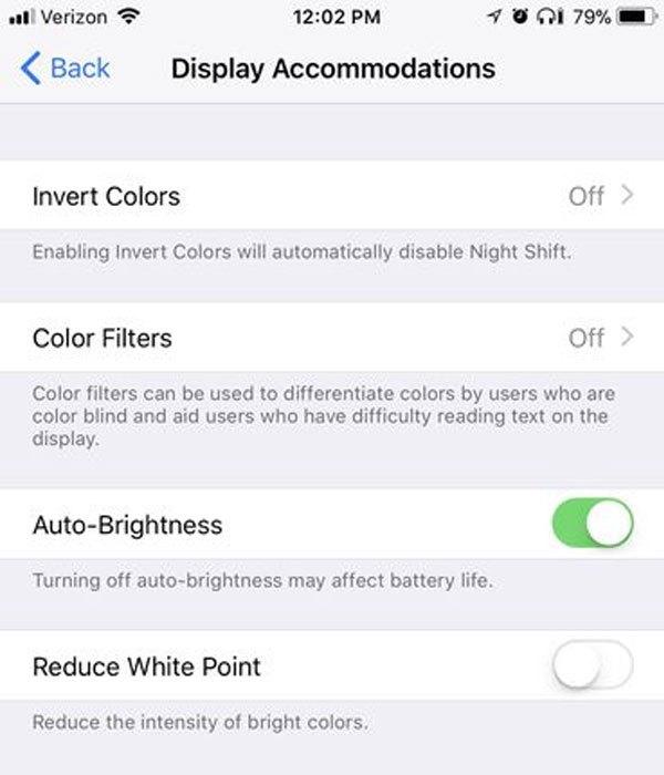 """Trên iOS 11, tính năng này đã bị """"đẩy"""" sâu trong mục Trợ năng, bạn vào Cài đặt -> Cài đặt chung -> Trợ năng -> Thích nghi màn hình."""