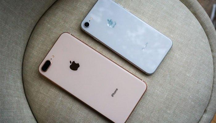 iPhone 8 Plus lớn hơn rất nhiều so với iPhone 8.