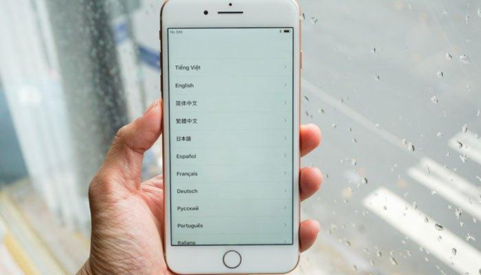 Mặt trước của iPhone 8 Plus không khác mấy so với iPhone 7 Plus.