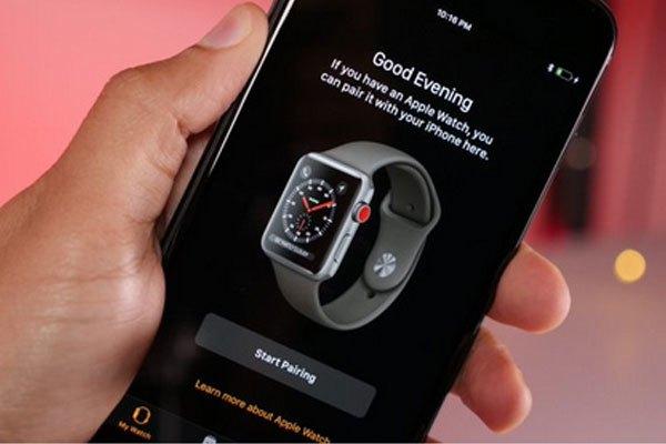 Bên cạnh những chiếc iPhone, hình ảnh về chiếc Apple Watch mới tuyệt đẹp cũng xuất hiện