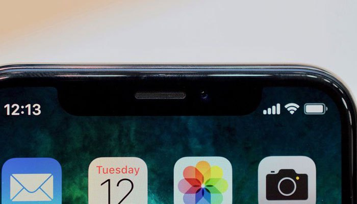 Camera trước của iPhone X phục vụ một loạt tính năng, bao gồm emoji động mới phù hợp khuôn mặt bạn với các bộ lọc Snapchat... Rất nhiều người sẽ thích thú với tính năng này. Ngoài ra, camera trước của iPhone X còn có các tính năng như Portrait Mode mới và Portrait Lightning. Đã tới lúc camera trước của iPhone quan trọng hơn camera sau.