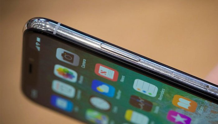 Các đường nét bo cong của iPhone X vẫn tương tự những phiên bản trước