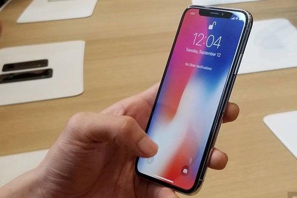 Rview chiếc điện thoại iphone X đến từ Apple 3