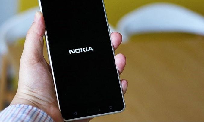 Điện thoại di động Nokia 6 màu bạc dung lượng pin ổn định, bền bỉ