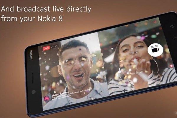 Dễ dàng sử dụng cùng lúc 2 camera trước sau để quay lại những kỷ niệm với Dual Sight trên Nokia 8