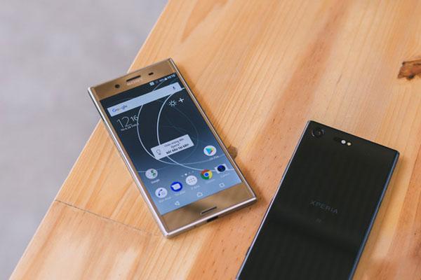 Lần đầu tiên công nghệ màn hình tivi được tích hợp trên một chiếc điện thoại và đó là Sony Xperia XZ Premium