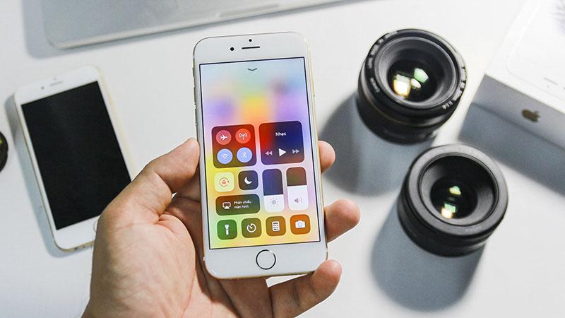 Chọn iPhone chính hãng để được nhận chế độ bảo hành chất lượng, giúp thiết bị hoạt động bền bỉ hơn