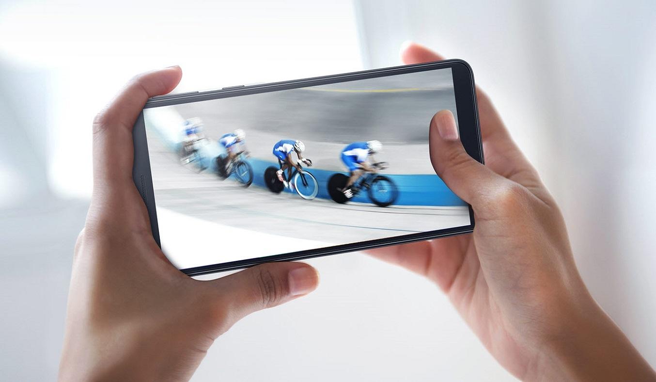 Điện thoại Samsung Galaxy A01 Core Xanh màn hình rộng cho trải nghiệm ấn tượng