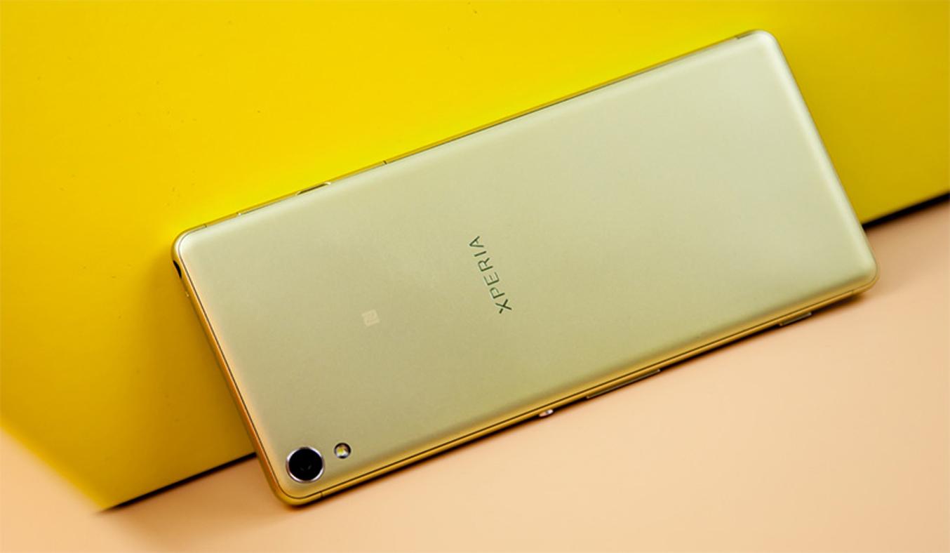 Xperia XA vàng thiết kế đẹp mắt