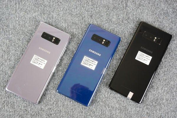 Galaxy Note 8 với 3 phiên bản màu: Xám Phong Lan, Xanh Biển Sâu và Đen